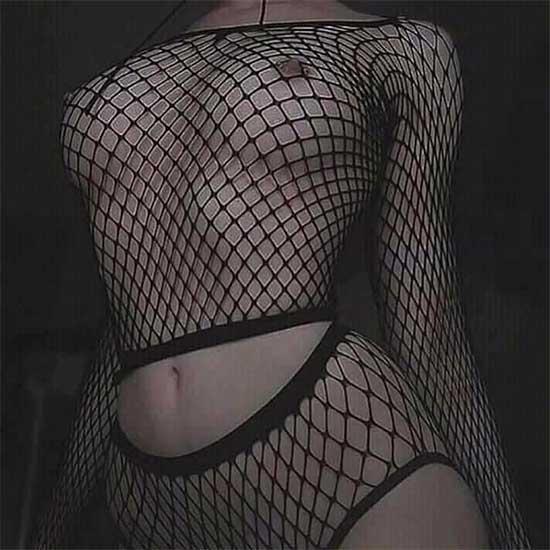 Khoe ngực đẹp